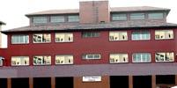 Edificio de 5º y 6º de primaria y la ESO.